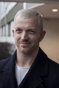 Porträttbild av Jonas Lindberg. Foto: Anna Drvnik